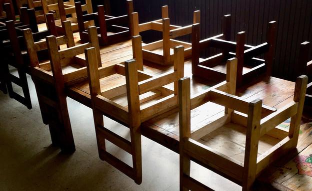 כסאות (צילום: By Dafna A.meron)