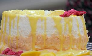 """עוגת """"אוכל מלאכים"""" עם רוטב לימון (צילום: מתוך """"בייק אוף ישראל"""", שידורי קשת)"""