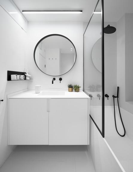 ארט אוף ספייס, ג, מקלחת (צילום: עוזי פורת)