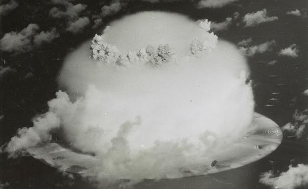 ניסוי בפצצת מימן מעל לאטול ביקיני (צילום: רויטרס)