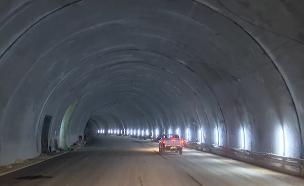 הצצה למקטע החדש של כביש 6 (צילום: החדשות)