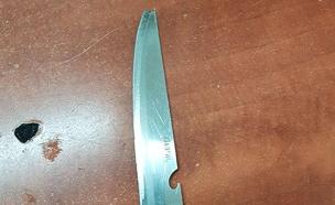 """הסכין שנתפסה על החשוד (צילום: דוברות מג""""ב)"""
