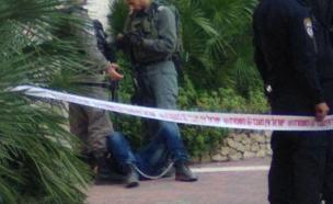 מעצר החשוד בכניסה לחשמונאים (צילום: רבשצ חשמונאים)