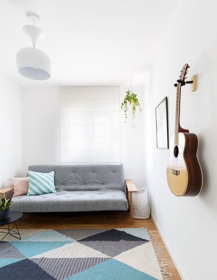 דירה בשינקין, עיצוב טל מידן להמן, חדר אורחים (צילום: אורית ארנון)