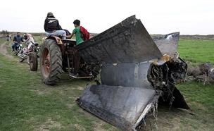 "שרידי טיל הנ""מ הסורי (צילום: רויטרס)"