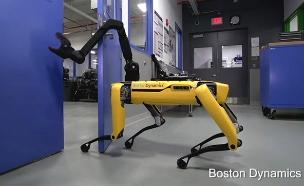 צפו: הרובוט שיודע לפתוח דלתות (צילום: Boston Dynamics)