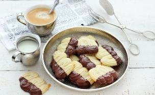 עוגיות שפריץ חמאה ושוקולד (צילום: ענבל לביא, אוכל טוב)