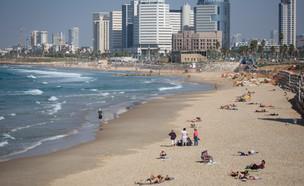 חוף תל אביב (צילום: מרים אלסטר, פלאש 90)