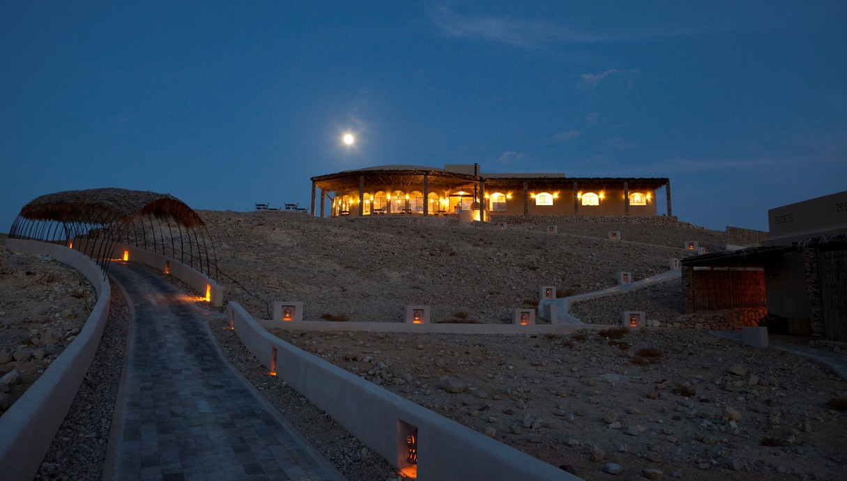 מלון בלילה