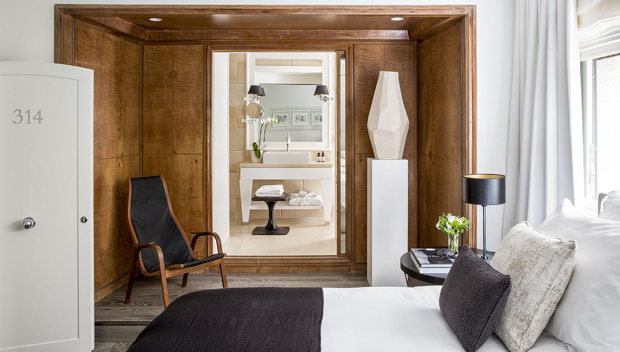 חדר שינה, מבט למקלחת