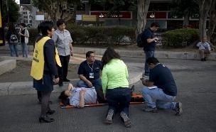 פינוי תושבים ברעש האדמה, מקסיקו (צילום: AP)