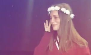 דנה פרידר בוכה בחזרה (צילום: מתוך האינסטגרם של ניבר מדר)