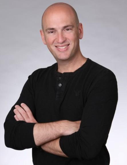 אלון ז׳ירמונסקי (צילום: http://www.hagopsphotography.com/)