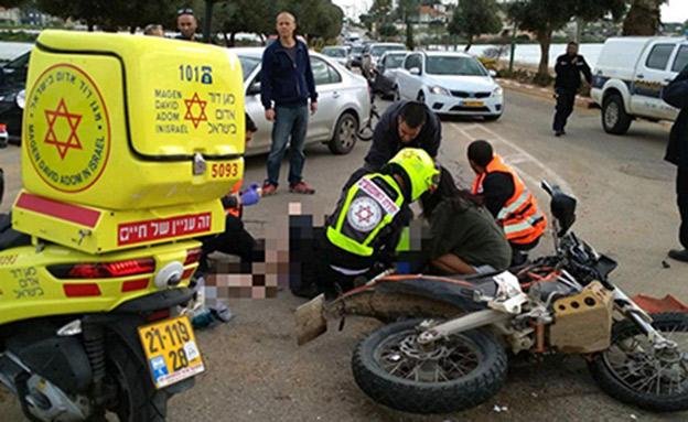 """זירת התאונה ליד קדימה (צילום: תיעוד מבצעי מד""""א)"""
