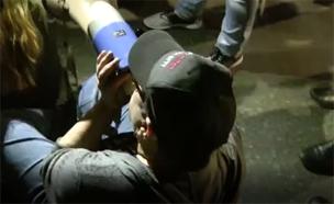 צפו בתיעוד מהמעצר (צילום: דוברות המשטרה)