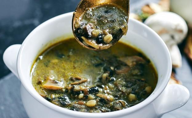מרק פטריות של אגתה - עם כף (צילום: אמיר מנחם, אוכל טוב)