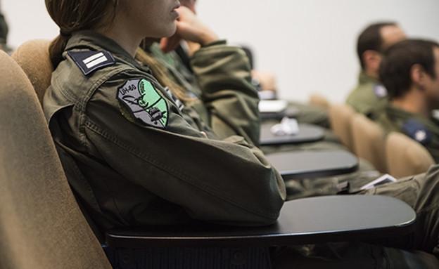 טייס תדריך (צילום: סליה גריון, אתר חיל האוויר)