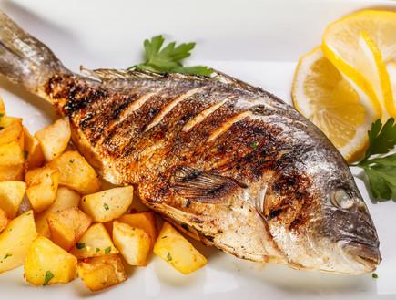 דג מטוגן ותפוחי אדמה