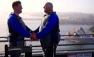 אוסטרליה, זוג גברים מתחתנים על גשר (צילום: רויטרס)
