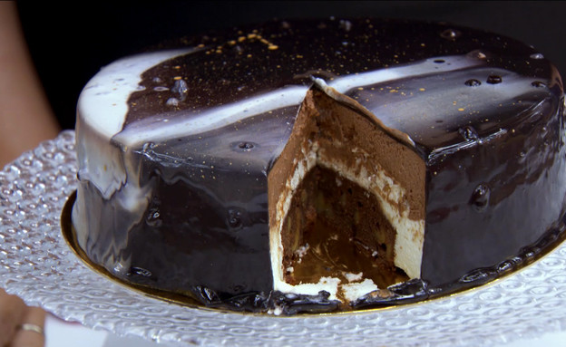 עוגת גלקסיה עם בראוניז ומוס (צילום: מתוך