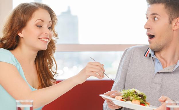 אנשים שחיים על חשבון אחרים (אילוסטרציה: kateafter   Shutterstock.com )
