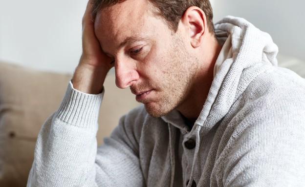גבר שבור (צילום: shutterstock | kurhan)