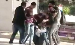 מעצר שביצעו מסתערבים ביר זית (צילום: תיעוד שפרסמו הפלסטינים)