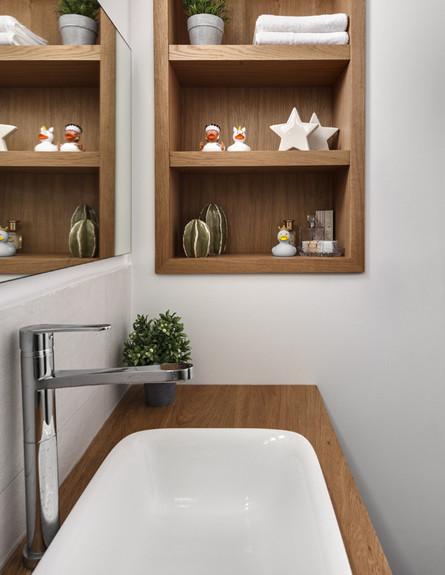 בית ברשלצ, ג, עיצוב שלומית גליקס, חדר רחצה (צילום: עודד סמדר)