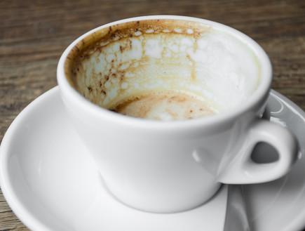 כוס מלוכלכת (צילום: שאטרסטוק)