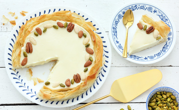 טארט פילו, שוקולד לבן ויוגורט (צילום: ענבל לביא, אוכל טוב)