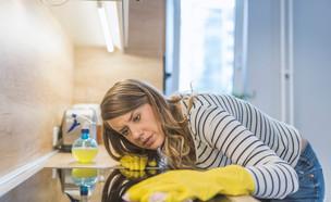 יש לכם מנקה בבית? אתם נחשבים למעסיקים לכל דבר (צילום: shutterstock)