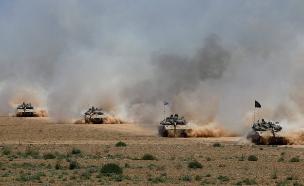 טנקים סמוך לגדר המערכת. ארכיון (צילום: רויטרס)