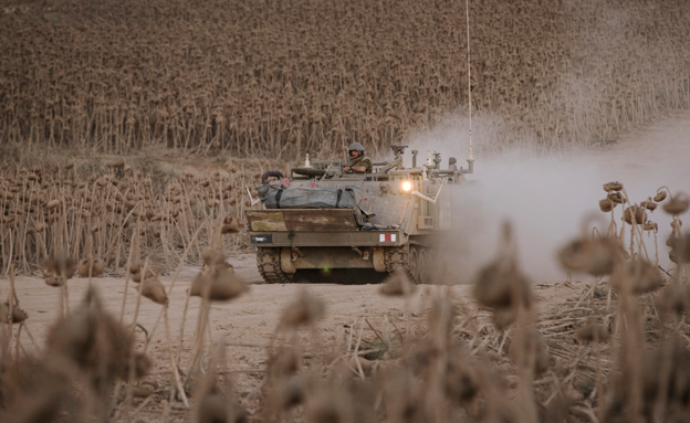 תקיפת טנקים בתגובה (ארכיון) (צילום: רויטרס)