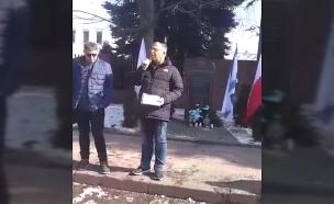ראש עיריית קריית ביאליק אלי דוקורסקי מדבר בפולין (צילום: חדשות 2)