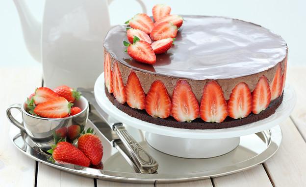 עוגת קרם שוקולד ותותים (צילום: ענבל לביא, אוכל טוב)