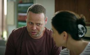 """לדבר באנגלית זה כבר לא פיתרון (צילום: מתוך """"צומת מילר עונה 2"""" , קשת 12)"""