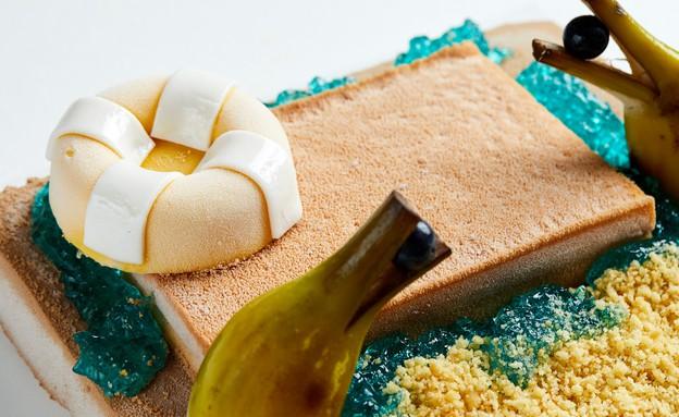 עוגת מוס שוקולד חלב, מנגו, תפוז וליקר קירסאו (צילום: אמיר מנחם, אוכל טוב)