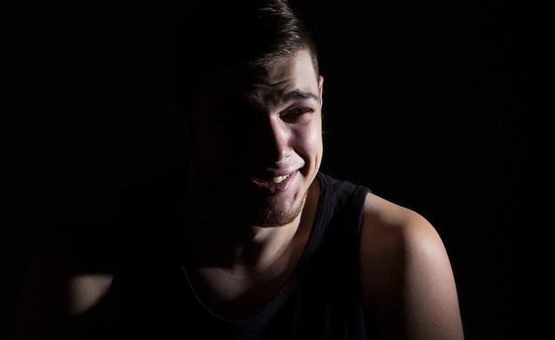 קורבן אונס (צילום: Chris Tefme, Shutterstock)
