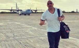 דה רוק ומטוס (צילום: instagram/therock)