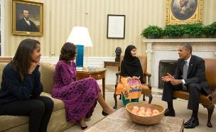 עם משפחת אובמה בבית הלבן (צילום: רוייטרס)