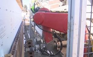 צפו: הרובוטים שיחליפו פועלים באתרי הבנייה? (צילום: AP)