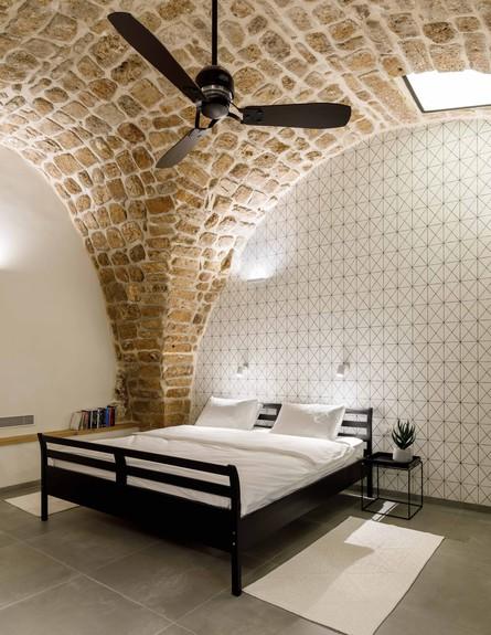 בית אבן, ג, עיצוב מיכל מטלון, מיטה (צילום: אורית ארנון)