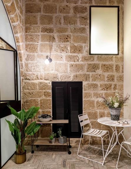 בית אבן, ג, עיצוב מיכל מטלון, פטיו (צילום: אורית ארנון)