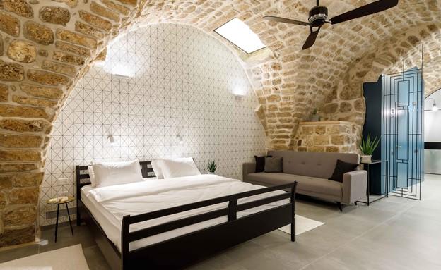 בית אבן, עיצוב מיכל מטלון, מיטה (צילום: אורית ארנון)