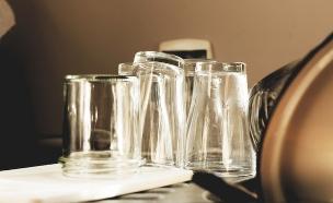 כוסות (צילום: Wojmac, ShutterStock)