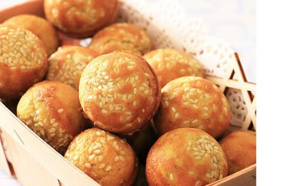 מיני לחמניות טחינה ללא קמח (צילום: הודליה כצמן, BakeCare, בלוג מתכונים בריאים וטעימים)