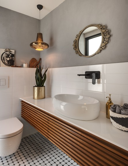 בית בשרון, ג, עיצוב אירה שריג, חדר רחצה (צילום: עודד סמדר)