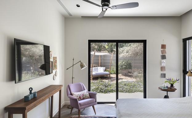 בית בשרון, עיצוב אירה שריג, חדר שינה (צילום: עודד סמדר)
