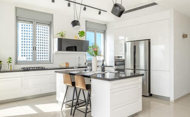 דירה בגבעתיים, עיצוב סטודיו LOROS TLV, מטבח (צילום: יואב פלד Peled Studios)