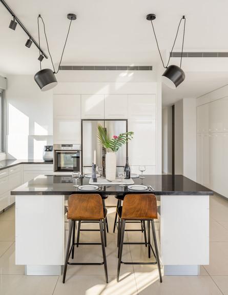 דירה בגבעתיים, ג, עיצוב סטודיו LOROS TLV, מטבח (צילום: יואב פלד Peled Studios)